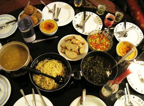 typical casa dinner scene
